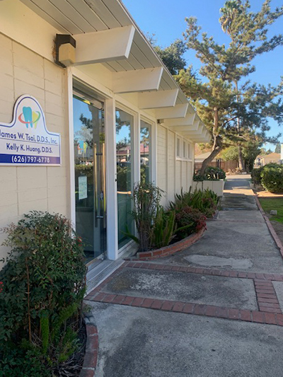 Dentist in Pasadena